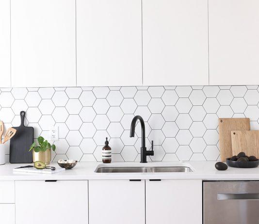 Hexagon kitchen splashback