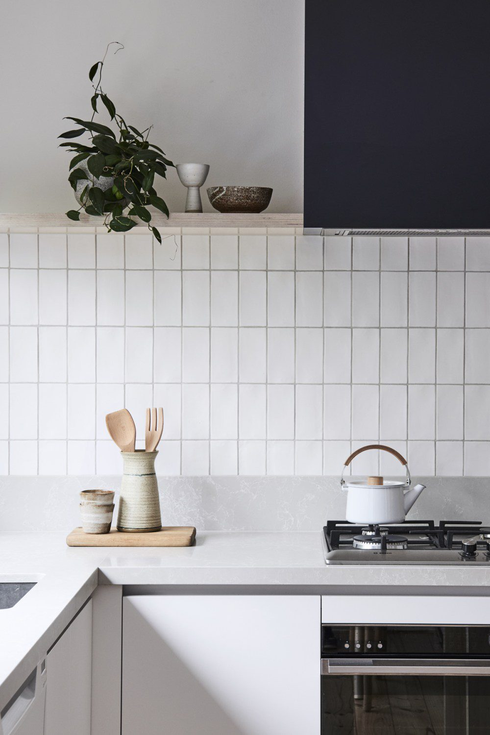 11 Types Of White Kitchen Splashback Tiles Best White