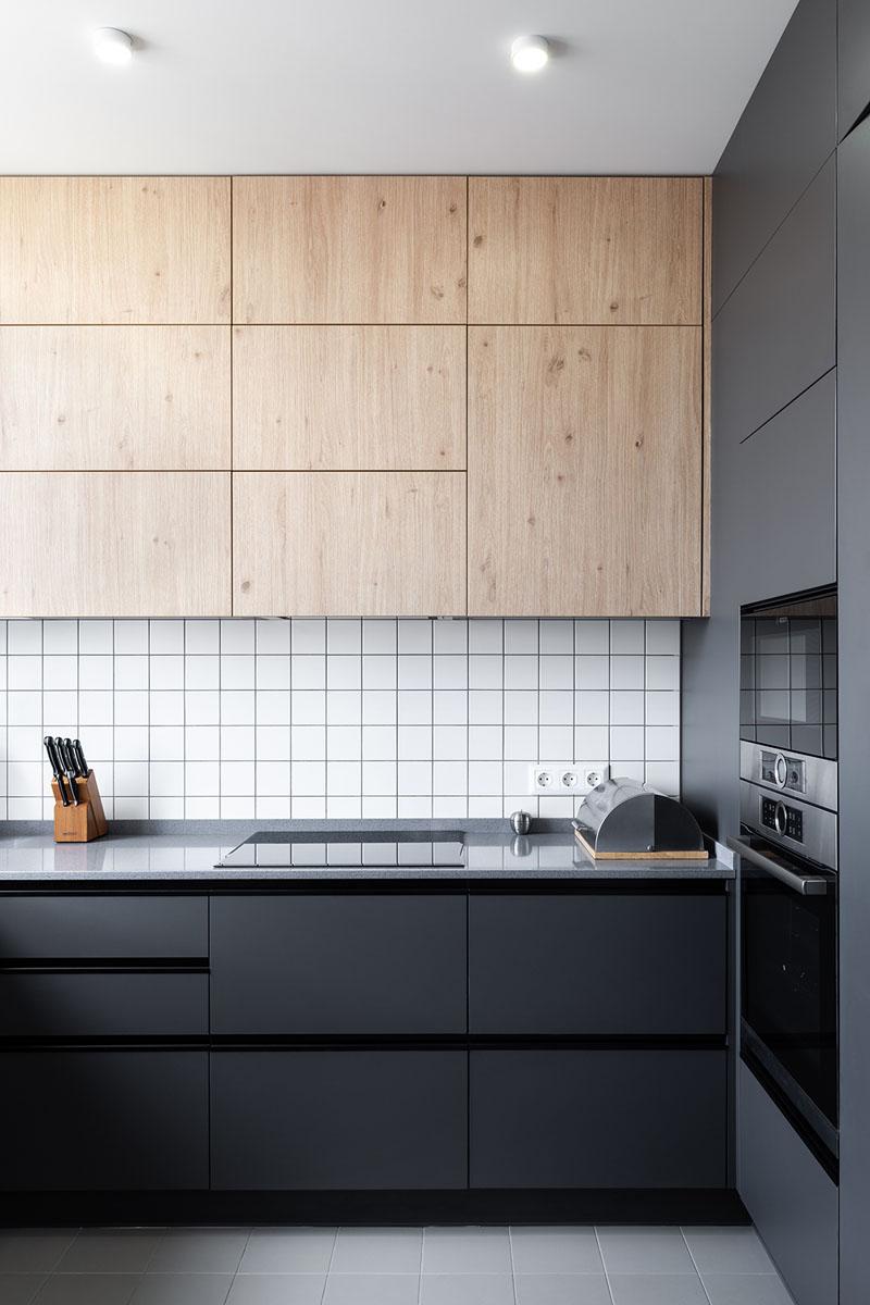 Grid kitchen splashback