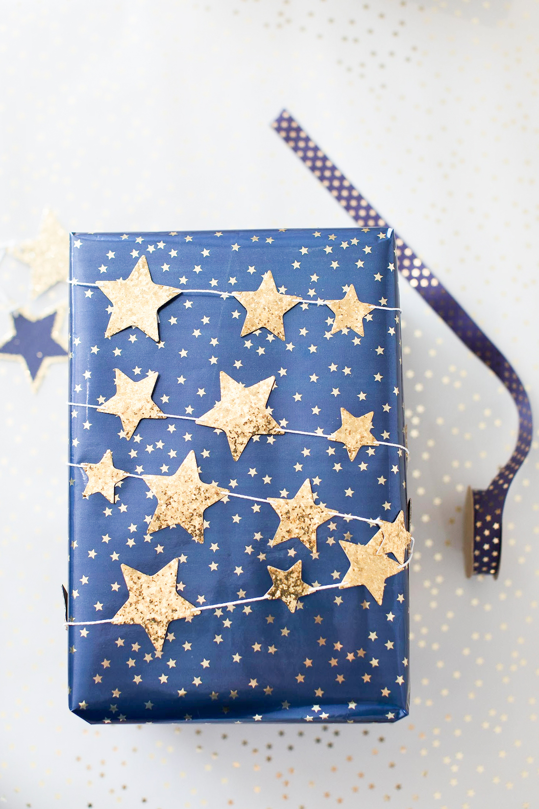 Star garland wrapping