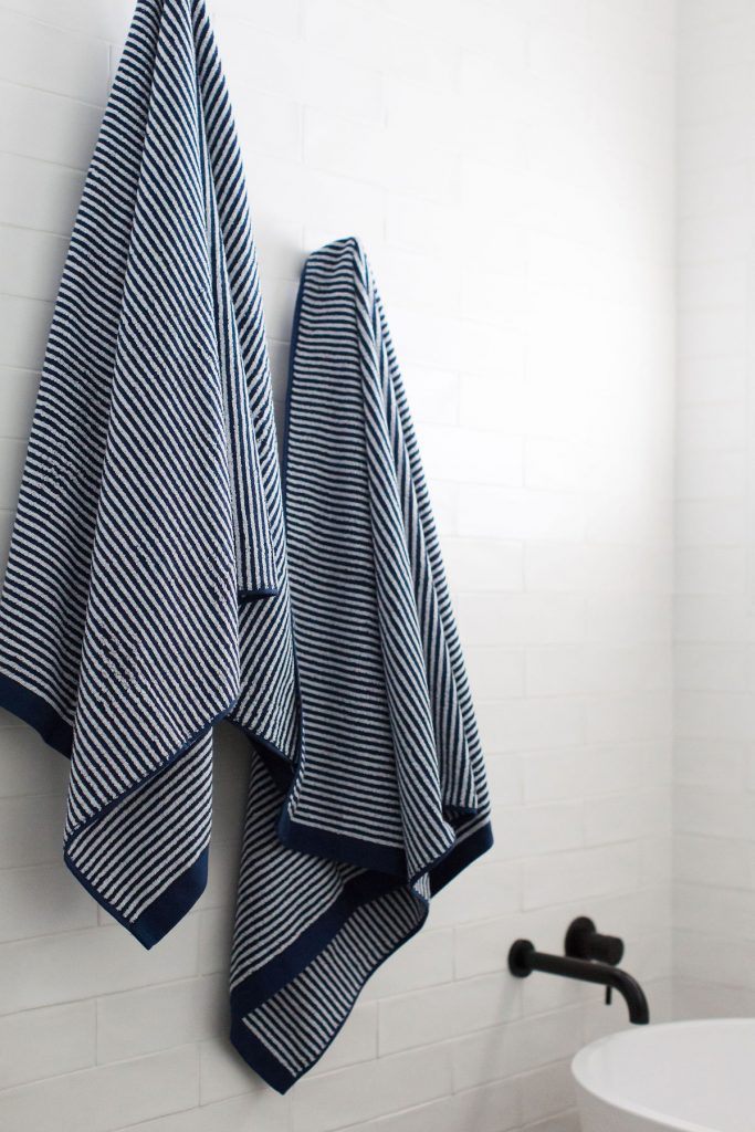 Towels How to decorate your bathroom