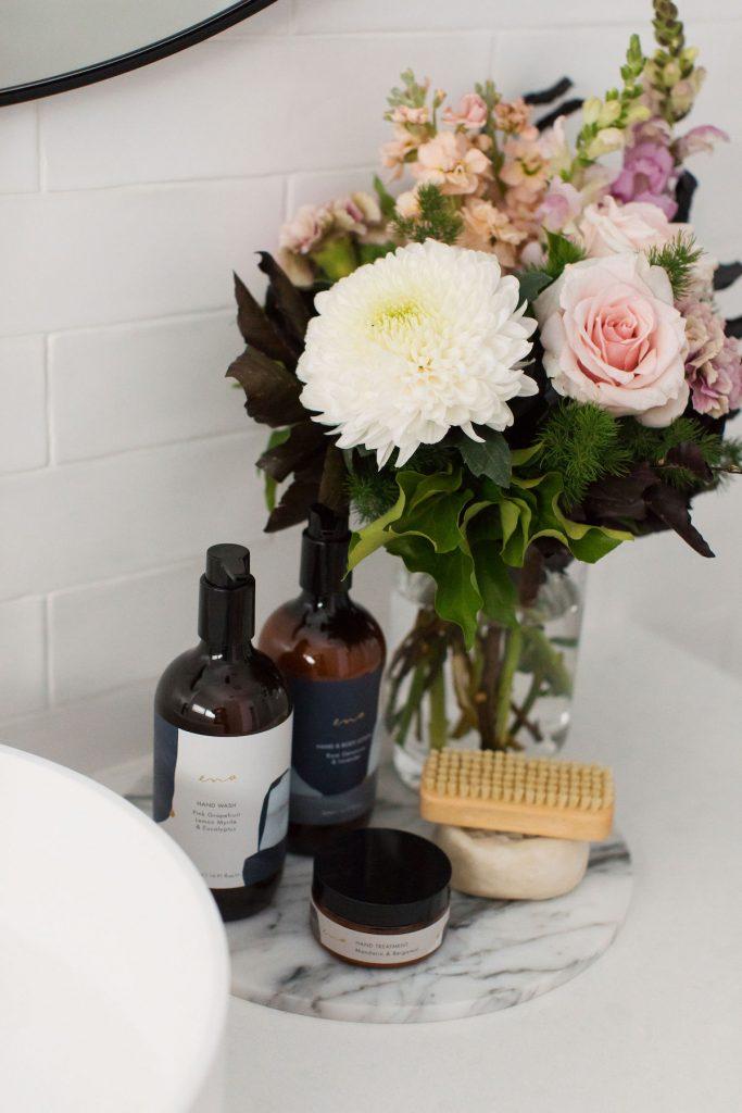 Vanity arrangement
