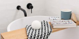 Bath bomb feature