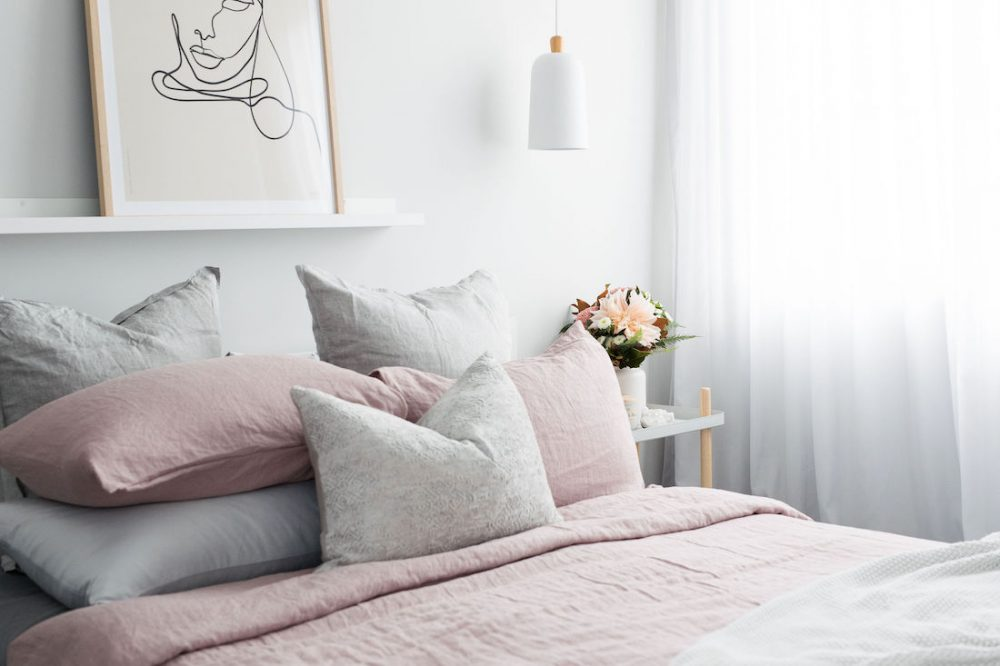 Bed feature