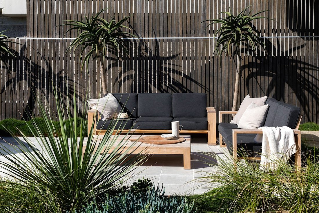 Outdoor-seating-paved-area