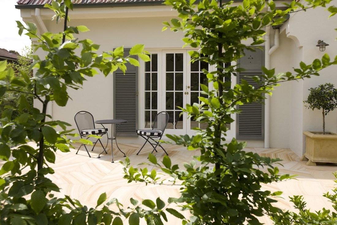 Tuscan style alfresco area