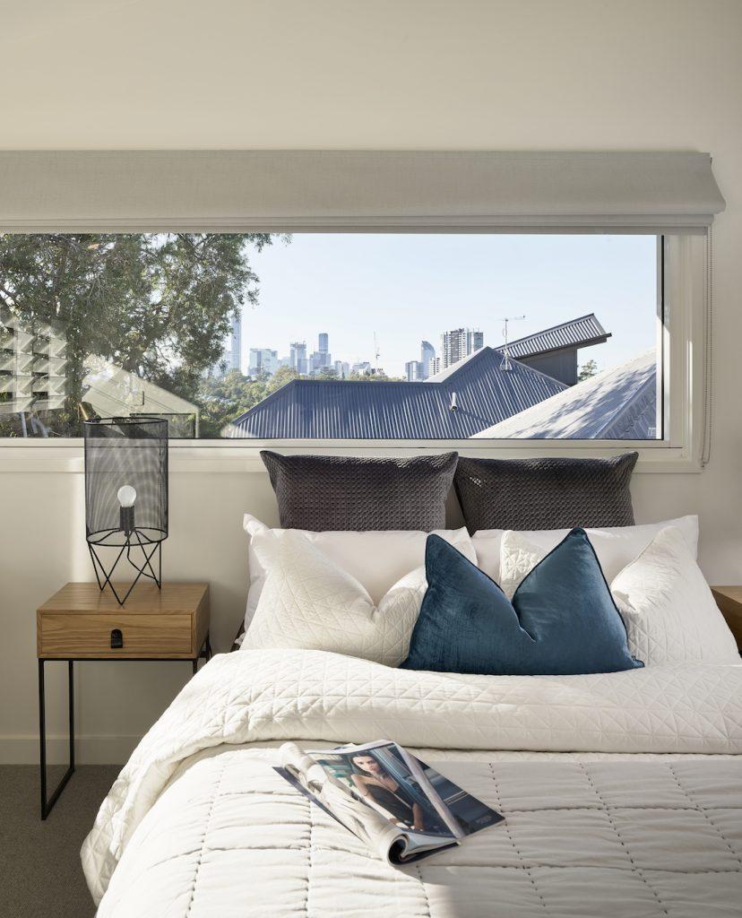 Bedroom with views of Brisbane city