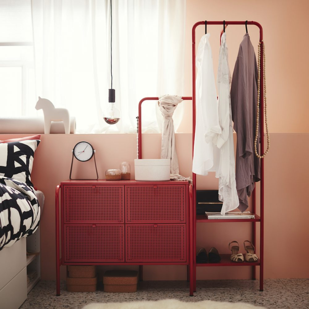 NIKKEBY red steel draws and coat rack