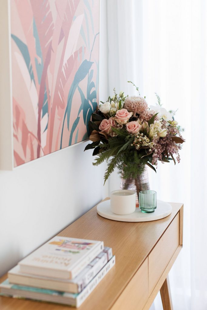 Coral artwork and vase interior trends