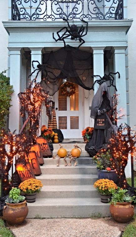 Giant spiders Halloween home styling