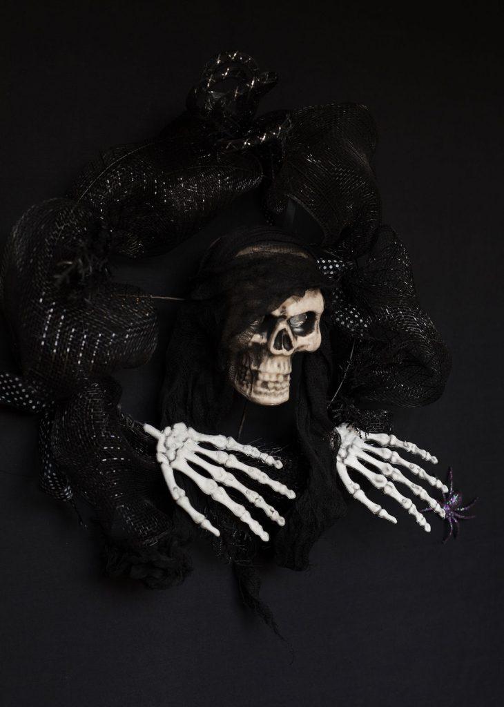 Skull wreath