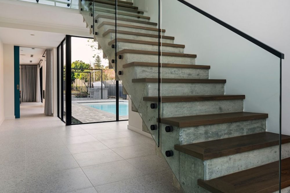 Concrete staircase and view to pool_Coolbinia house