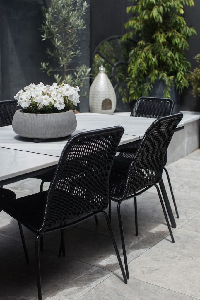 Erskineville courtyard_outdoor table and chairs