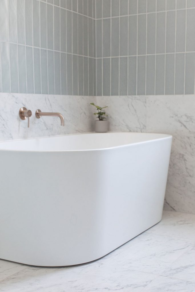 Erskineville main bathroom_deep standalone bath