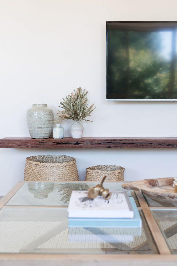 Floating shelf details_wooden shelf