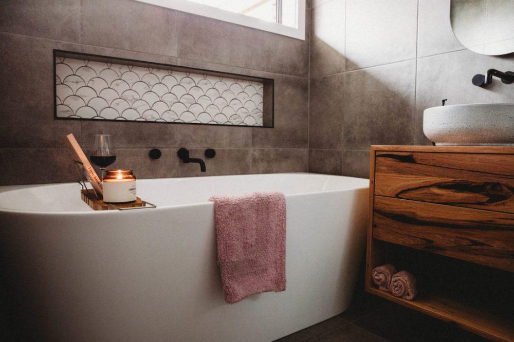 House of white_bath