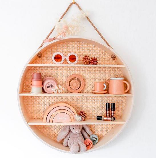 Round rattan shelf makeover