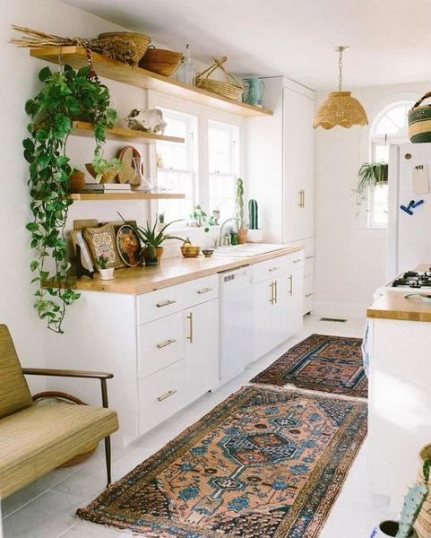 Boho kitchen with rug and open shelves