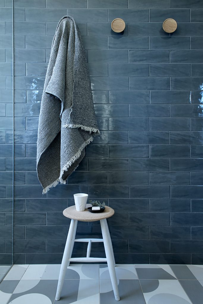 Dark blue subway tile bathroom Bathrooms that don't use white tiles