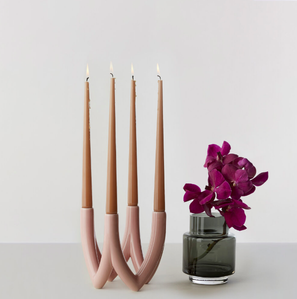 Candle holder in rose