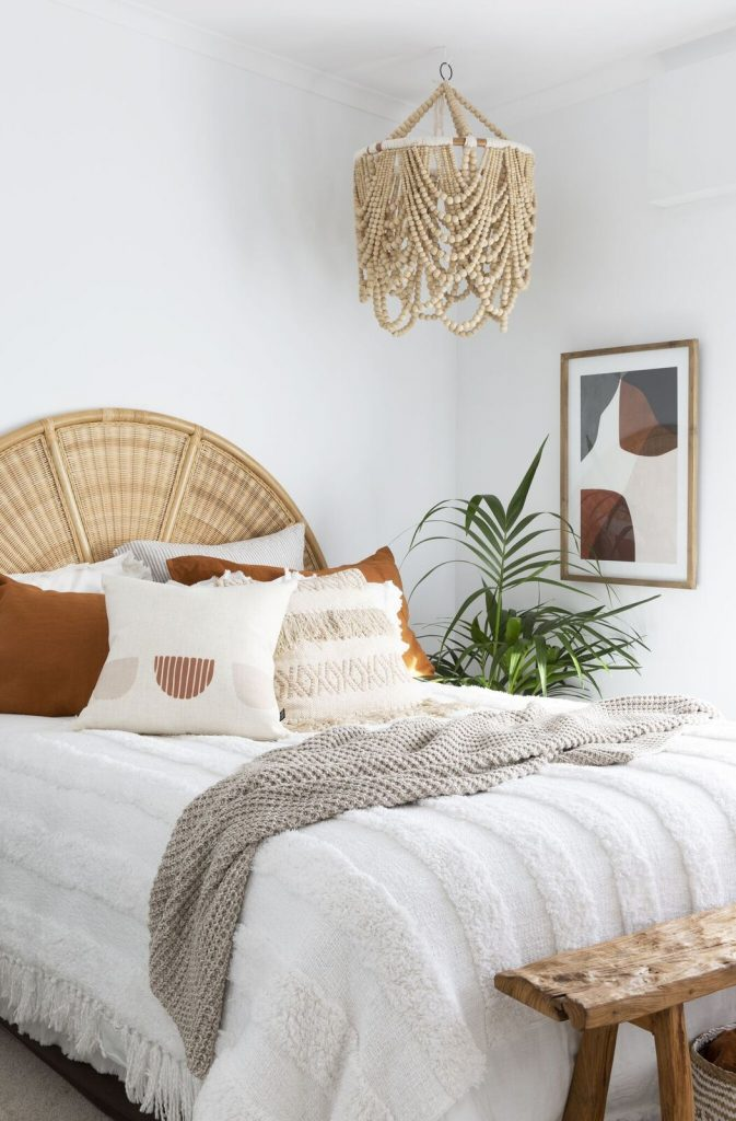 Villa Styling_guest bedroom featuring beaded light