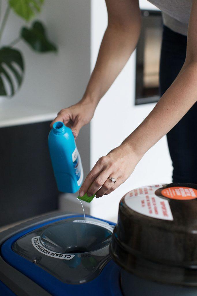 Filling Britex cleaner