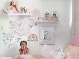 Alina's bedroom_Alina on her bed