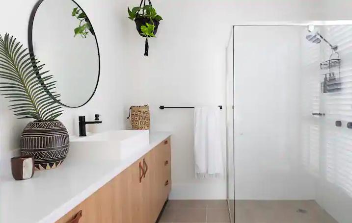 Avalon bathroom full width
