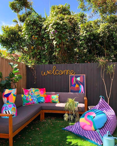 The Colour Tribe_80s home_outdoor area