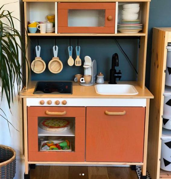 IKEA kids kitchen_mrsmerrellyeah