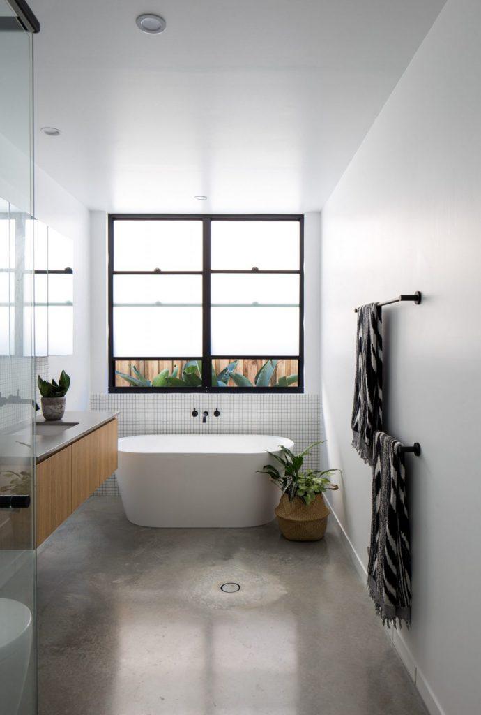 SuncatcherHouse_CreateArchitecture_bathroom