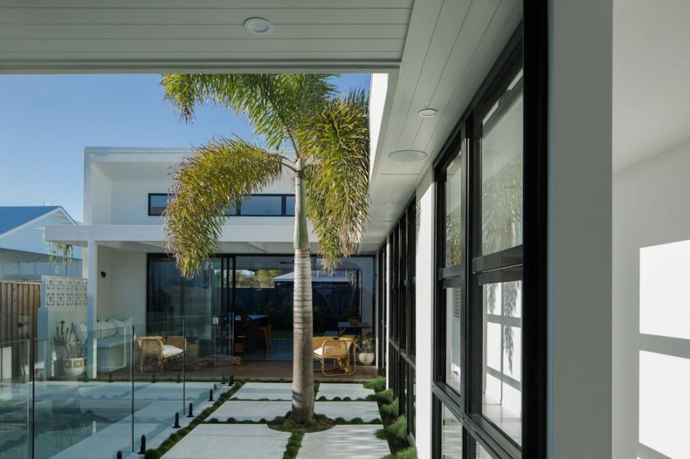 SuncatcherHouse_CreateArchitecture_home around pool