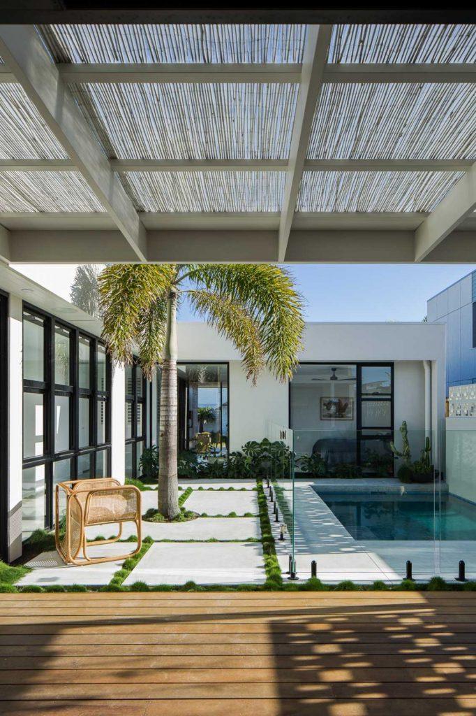 SuncatcherHouse_CreateArchitecture_pool area