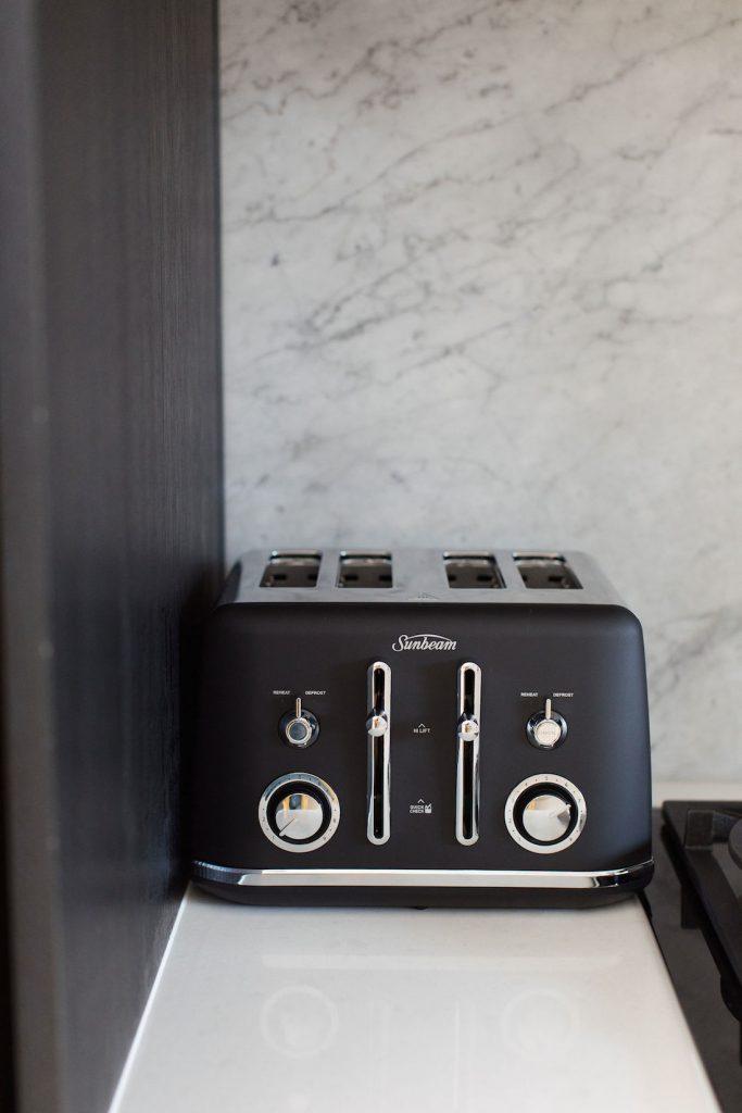 Sunbeam toaster in classic black