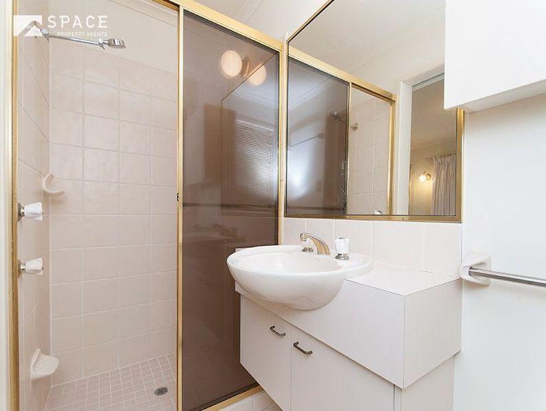 Zou Build_Bardon renovation_before_bathroom