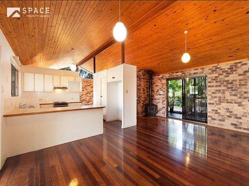 Zou Build_Bardon renovation_before_kitchen living