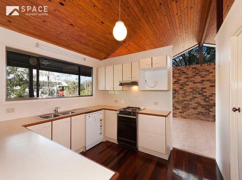 Zou Build_Bardon renovation_before_kitchen
