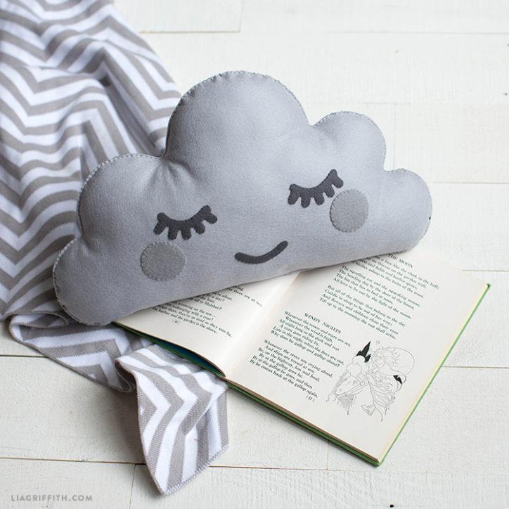Felt cloud cushion