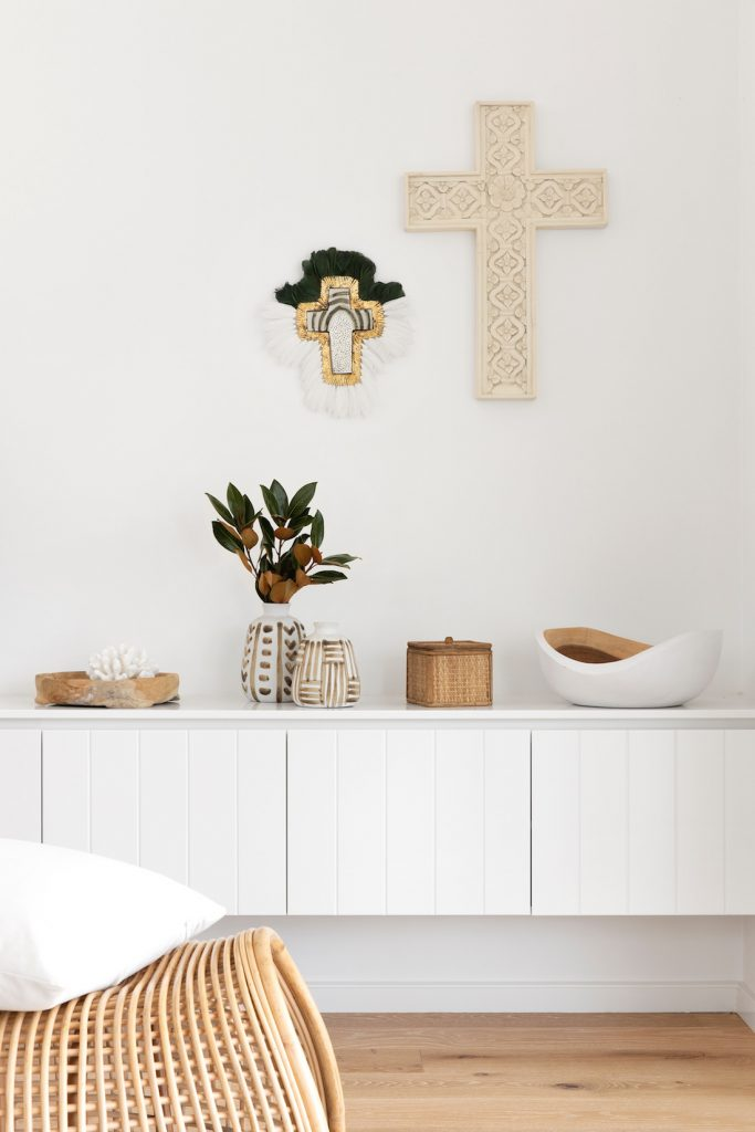 Styling details with ceramic cross