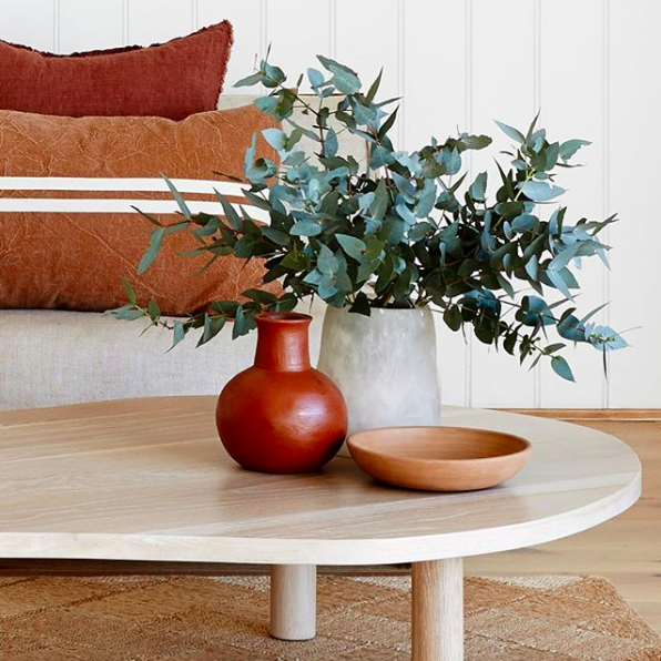 Rust coloured accents in decor