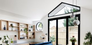 Dot's House_Atlas Architects_living dining