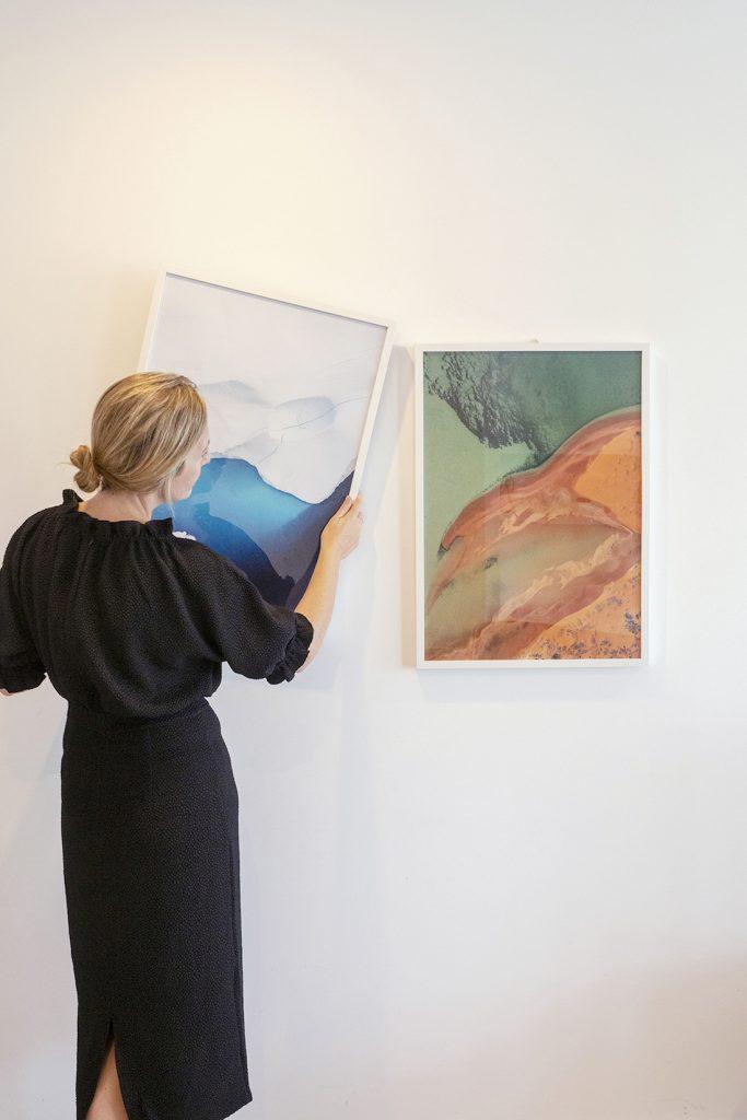 Lisa Michel Burns_The Wandering Lens_hanging artworks in gallery