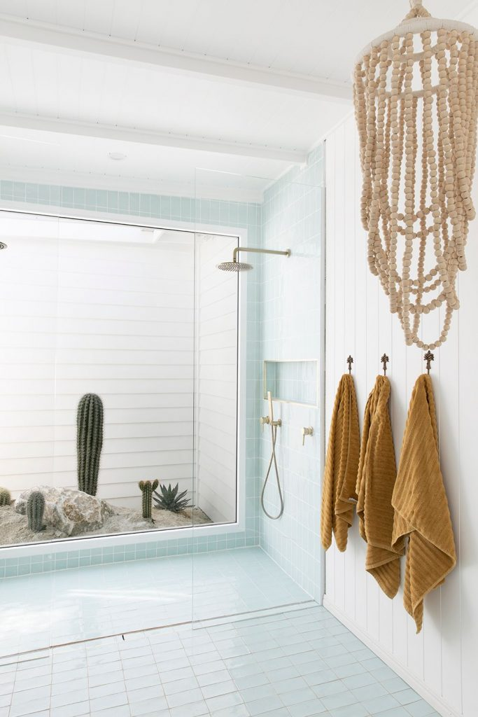 Bilinga Beach Abode_shower with cactus view