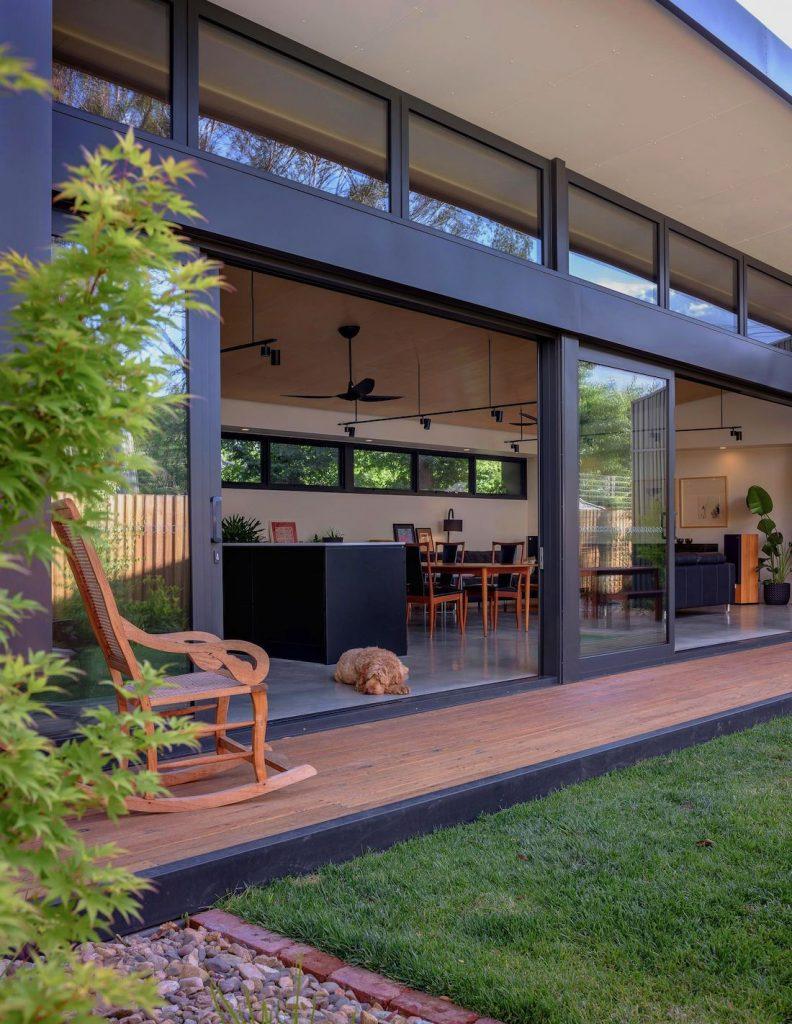 Ben Walker_Elm Grove House_deck and open doors