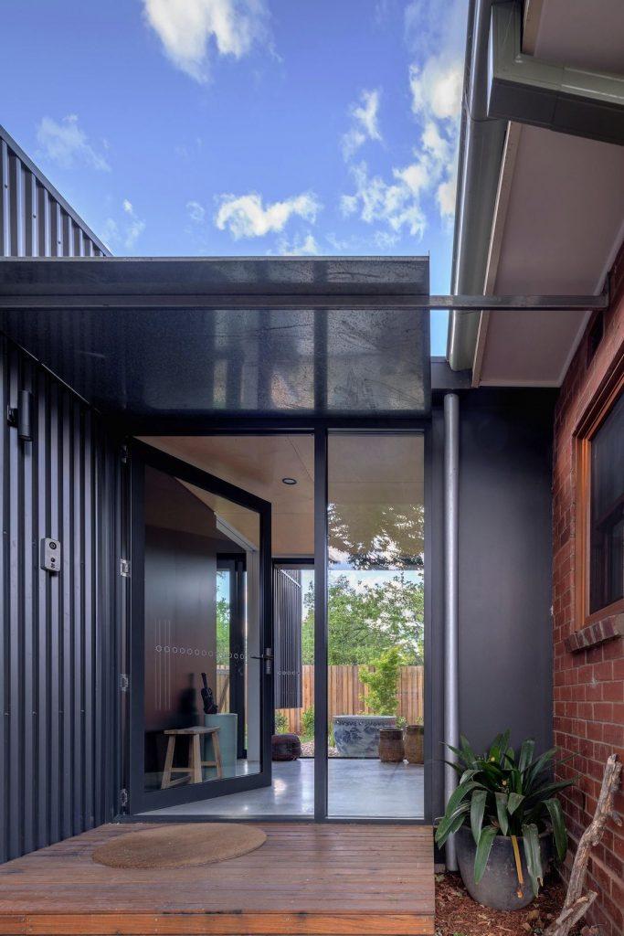 Ben Walker_Elm Grove House_entrance