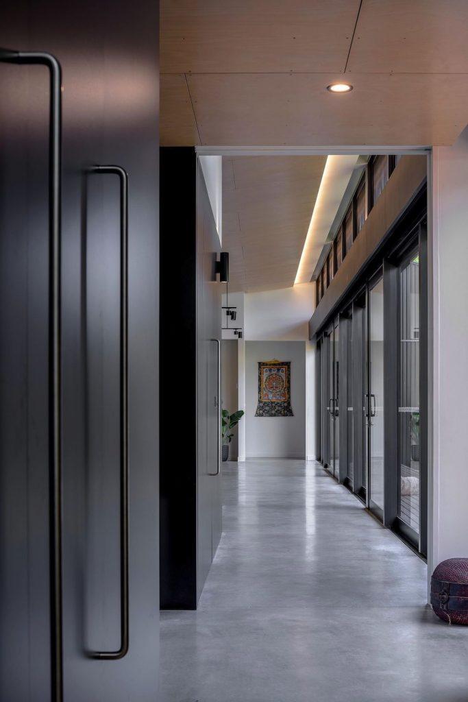 Ben Walker_Elm Grove House_hallway