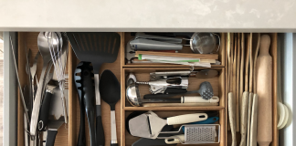 Utensil drawer