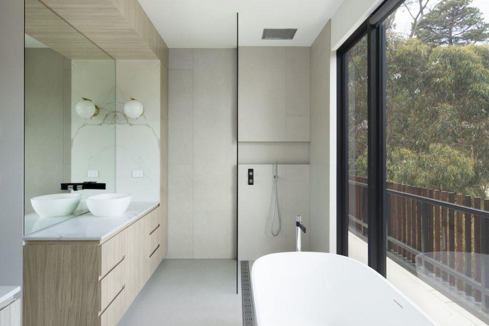 Warraweena_PitchArchitecture_bathroom