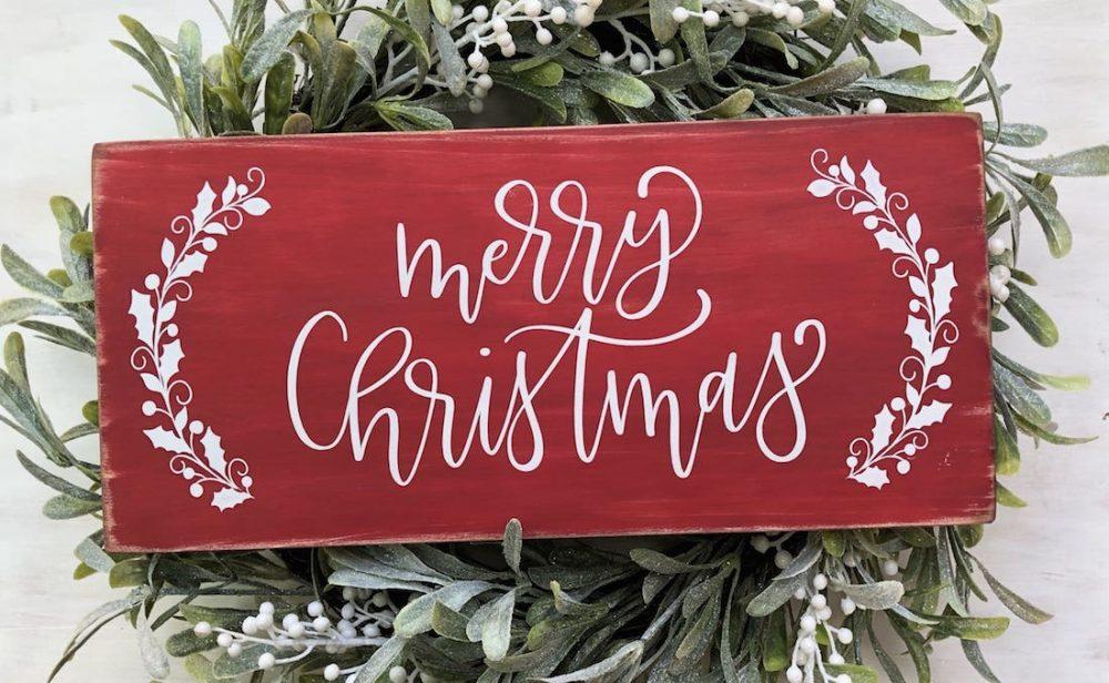 Australian handmade Christmas decor - Merry Christmas sign and wreath