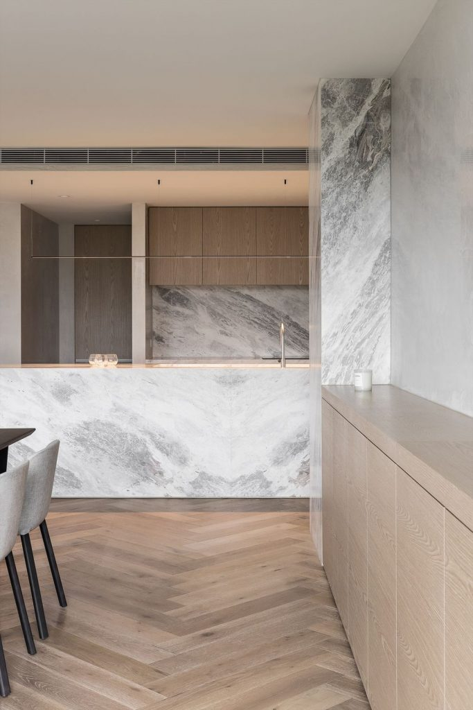 Marble kitchen with Italian joinery